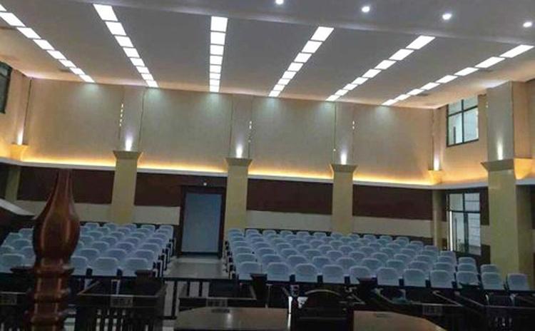 四川自贡法院中纤密度吸音板声学工程-2